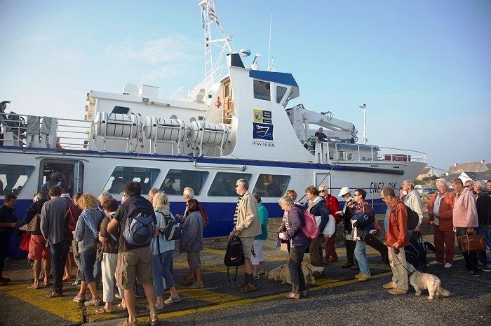 Sein - Embarquement pour l'île de Sein - Hubert Taillard