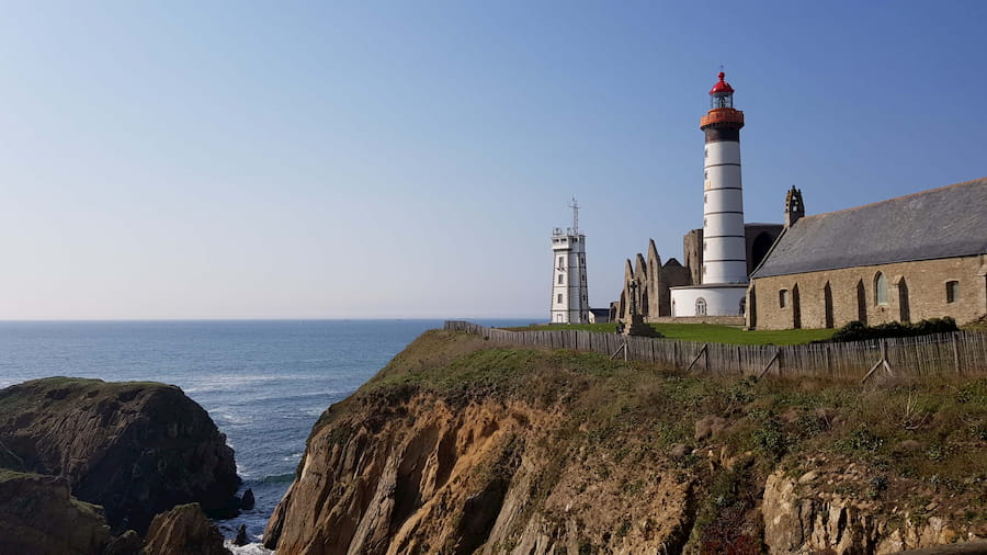 Vu sur le phare et l'abbaye de la Pointe Saint-Mathieu