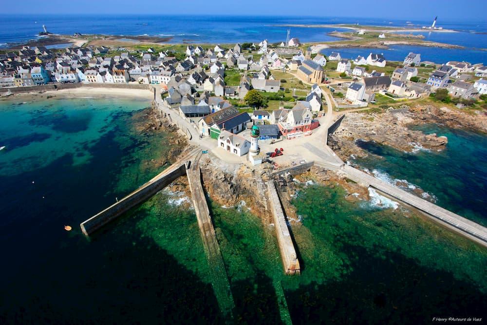 Vue de l'île de Sein et de son port