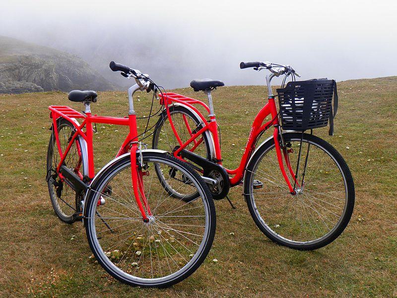 vélo rouge à ouessant